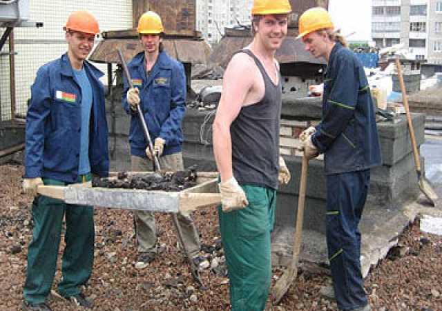 Ищу работу: Разнорабочие Бригада 8-918-324-22-35.