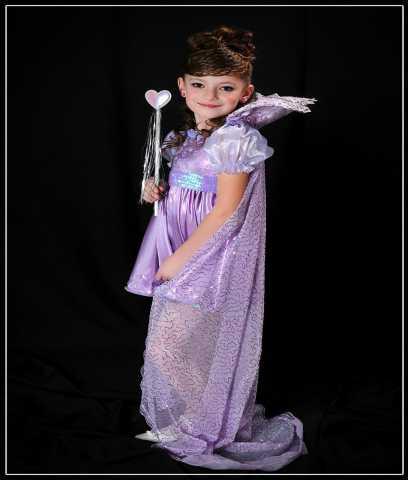 Продам нарядное платье для девочки