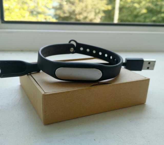 Продам Фитнес-браслет Xiaomi Mi Band 1A