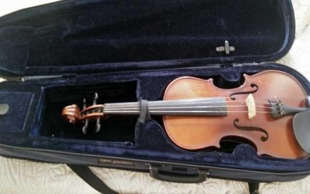 Продам Скрипка Carlo Giordano VS-1W 4/4