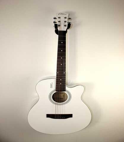 Продам Гитара + курс обучения + тюнер + чехол