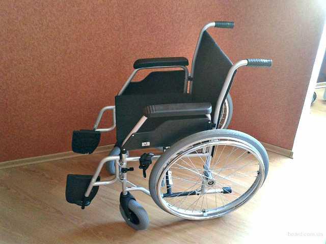 Продам взрослая инвалидная коляска