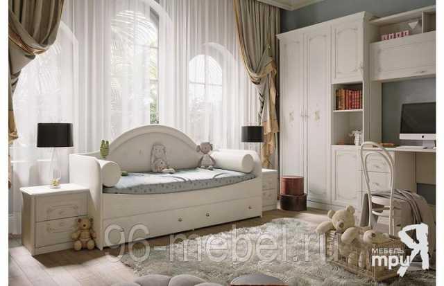 Продам Кровать с мягкой спинкой «Адель» тип 1