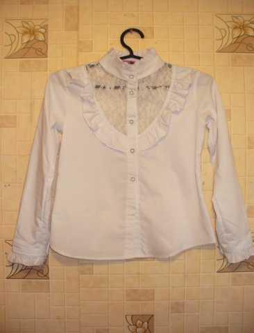 Продам Продам новую школьную белую блузку
