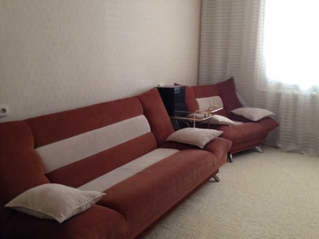 Продам: Диван и два кресла