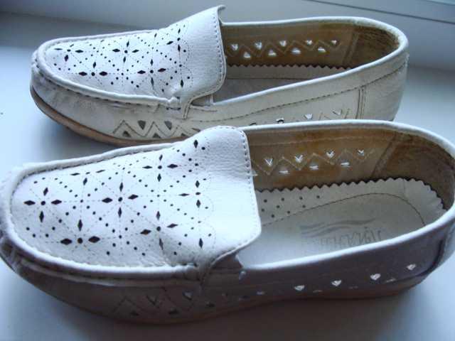 Продам Туфли летние белые