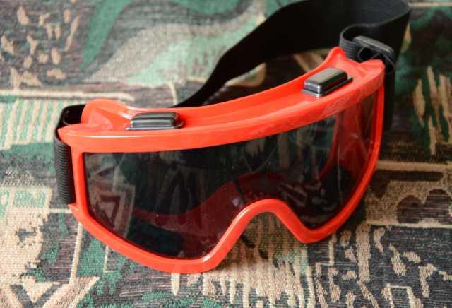Продам Лыжная маска-очки