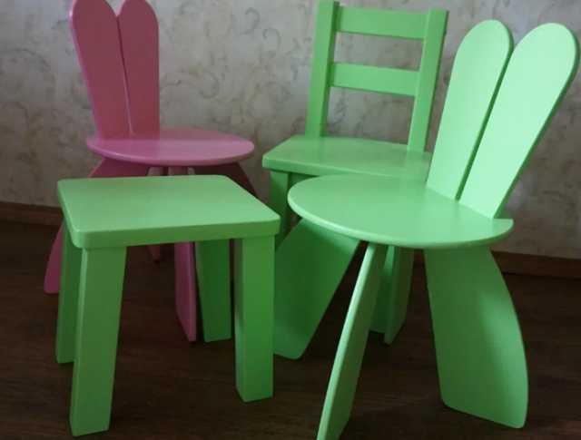 Продам Стульчик детский,столик,меловая доска