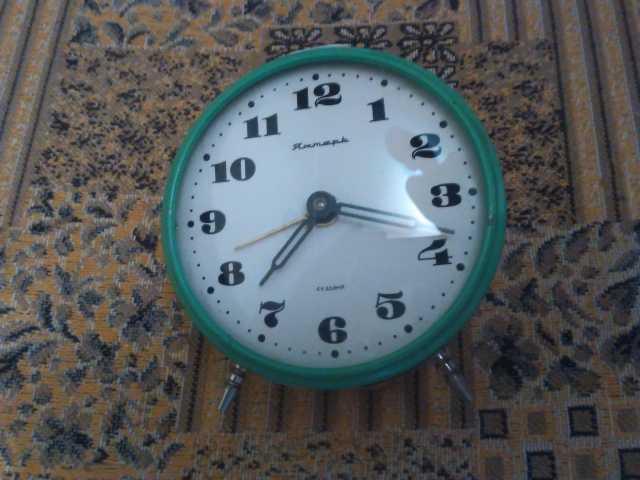 Продам: Механический будильник Янтарь