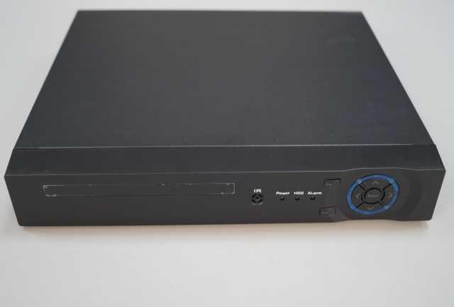 Продам Гибридный 4-х канальный видеорегистратор