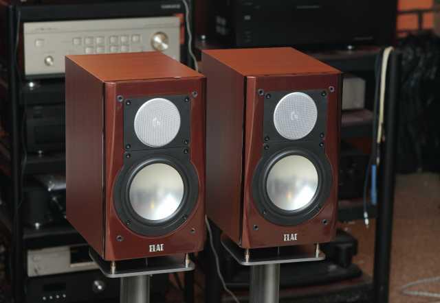 Продам акустика Elac BS123