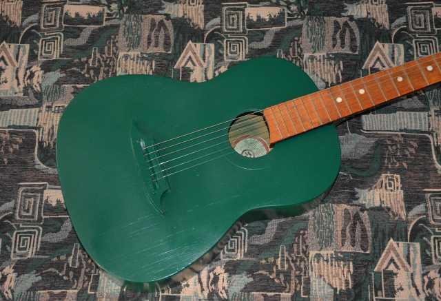 Продам Шестиструнная акустическую гитару