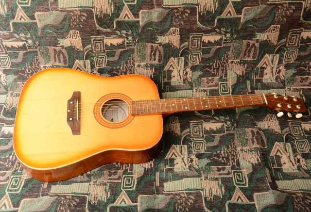 Продам Акустическая концертная гитара