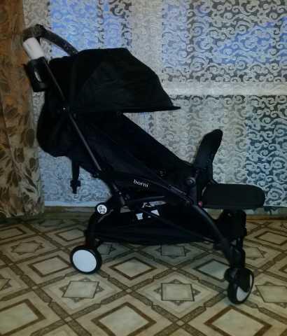 Продам легкую детскую коляску