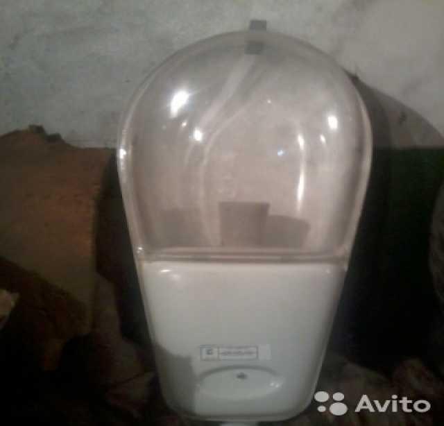 Продам Светильник уличный со стеклом