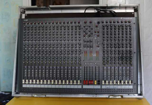 Продам Микшер Soundcraft Spirit LX7