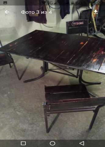Продам Стол и четыре стула