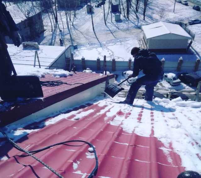 Предложение: Очистка снега по периметру крыш