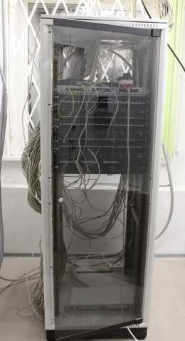 Продам: Шкаф серверный