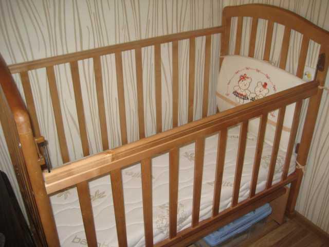 Продам детскую кроватку