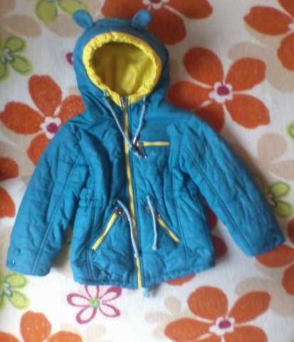 Продам Куртка на девочку-весна/осень.