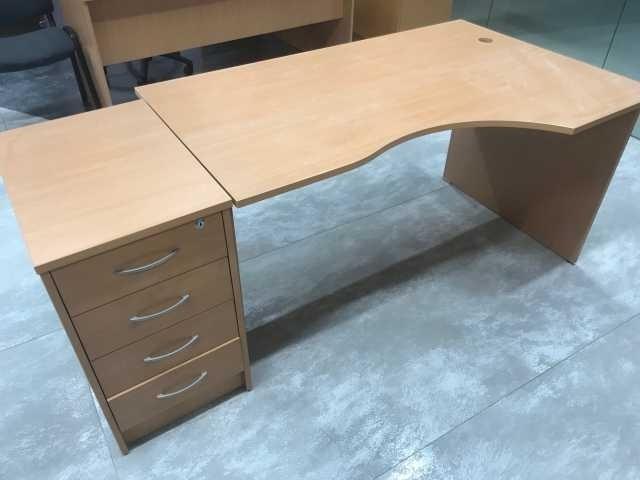 Продам стол рабочий с закруглением с тумбочкой