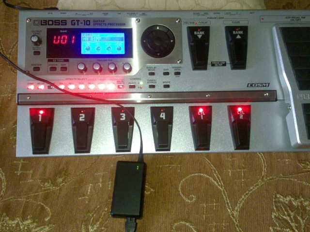 Продам Гитарный процессор эффектов boss GT-10