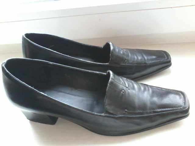 Продам Туфли женские чёрные нат. кожа р.39