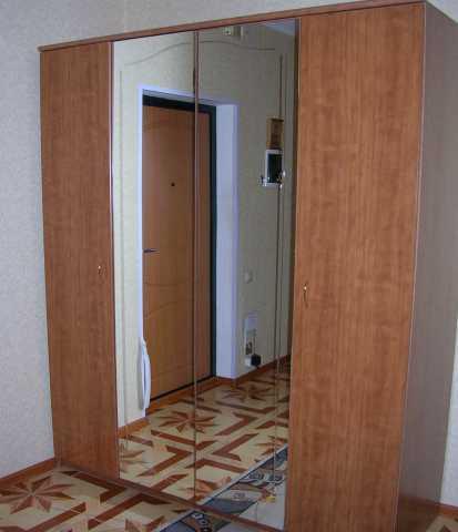 Продам Шкаф 2-х секционный с зеркалами, б/у