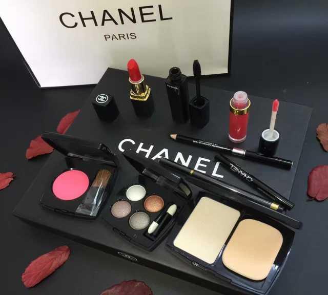 Продам Набор Chanel 9 в 1