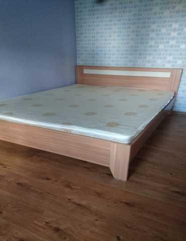 Продам Кровать двуспальная бу с матрасом