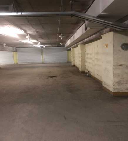 Продам место в гаражном боксе