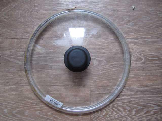 Продам  Крышка сковороды, 26 см, со сколом, б/у
