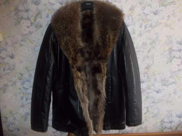 Продам Куртка кожаная  с волчьим мехом Италия