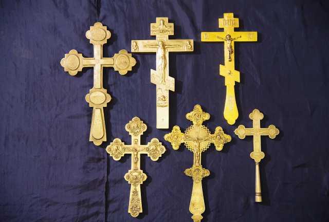Продам: Шесть старинных напрестольных крестов
