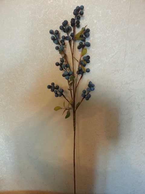 Продам Искусственные цветы.Ягоды!!!