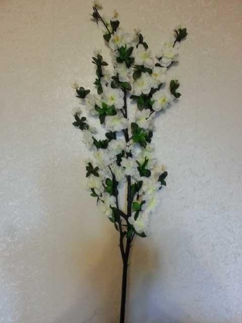 Продам Искусственные цветы.Сакура!!!