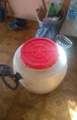 Продам бочка 51 литр с крышкой