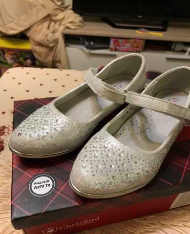 Продам Туфли для девочки. 30 размер