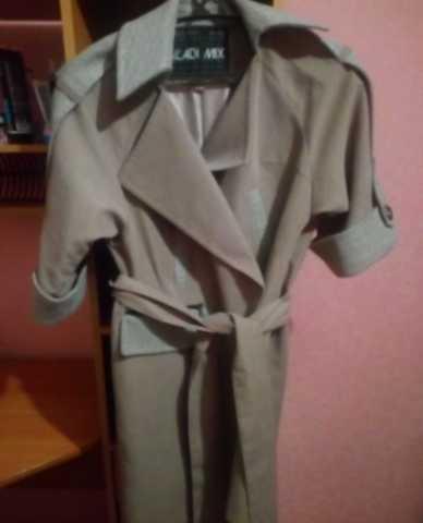Продам Новое стильное осенне/весеннее пальто 44