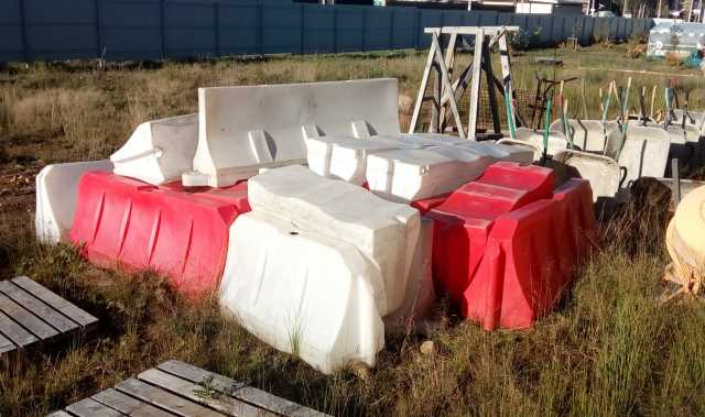 Продам Барьеры водоналивные (блоки)