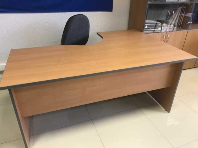 Продам стол рабочий с закруглением