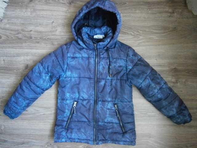 Продам Куртка демисезонная на 6-8 лет