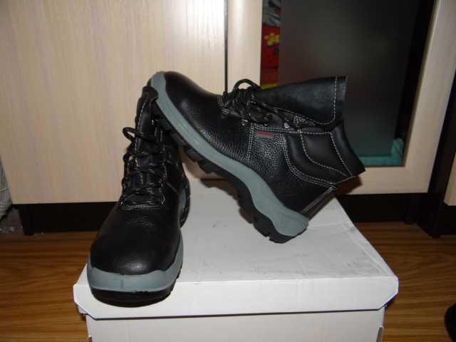 Продам ботинки Техноград