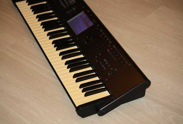 Продам Korg M50 синтезатор (на движке Korg M3)