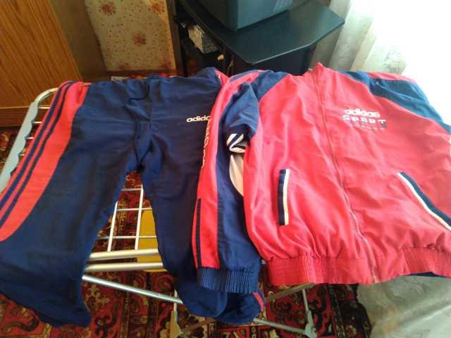 Продам спортивный костюм
