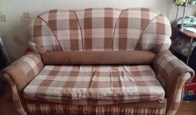 Отдам даром диван