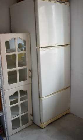 Продам шкафы кухонные подвесные