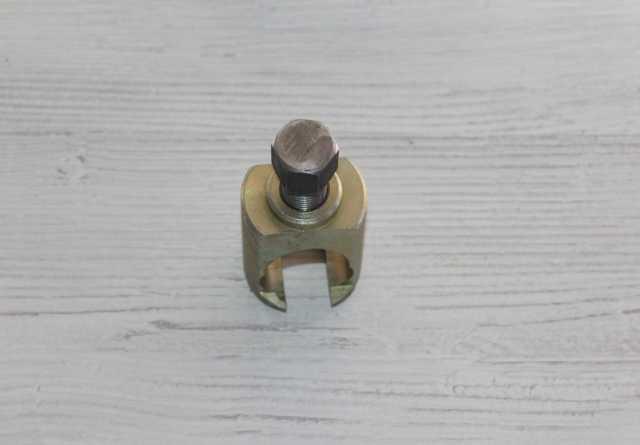 Продам Съемник рулевых тяг (стакан) ВАЗ