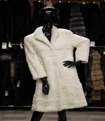 Продам Пальто из меха норки и козлика размер 42